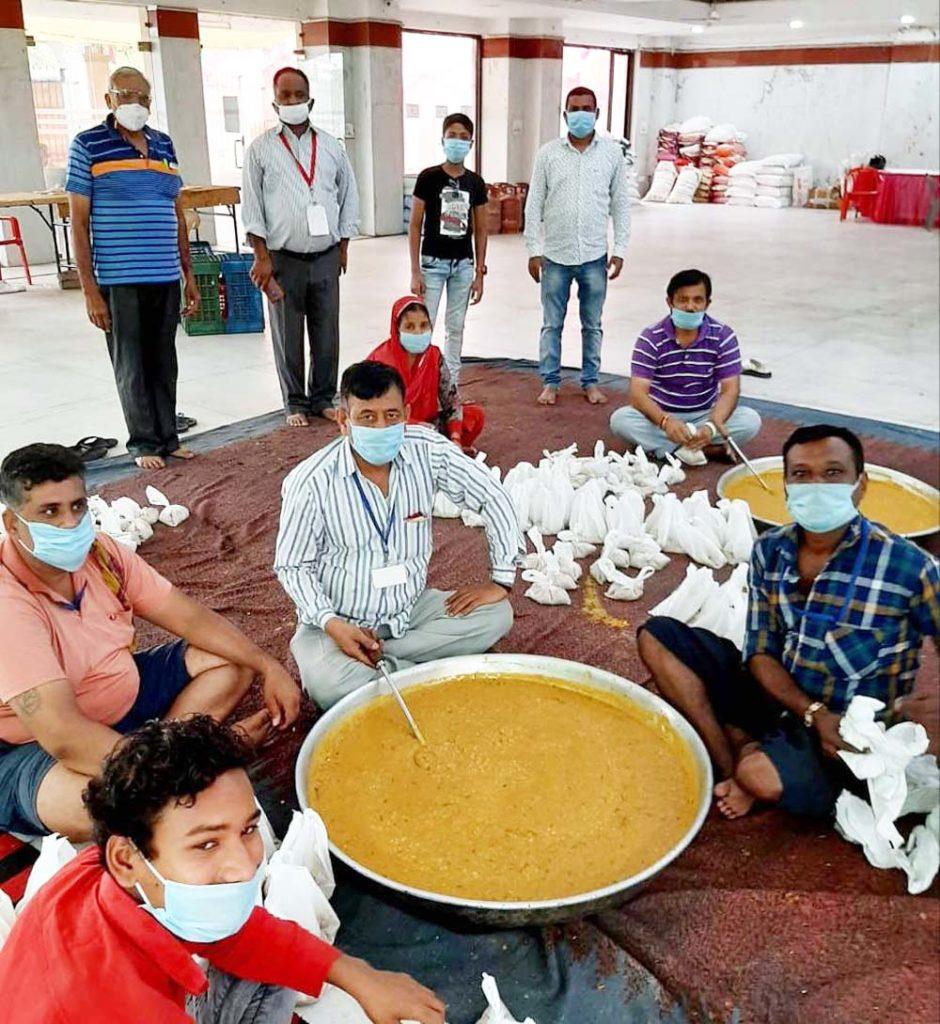 गोविन्द रसोई द्वारा 2125 जरुरतमंद लोगों को भोजन वितरित किया