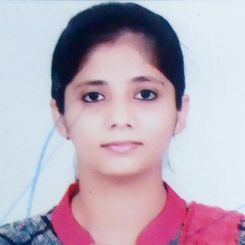 प्रिया एमए हिंदी के तीसरे सैमेस्टर में विश्वविद्यालय में द्वितीय