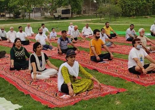 योग से मानसिक व शारीरिक बल मिलता : सुषमा पंचाल