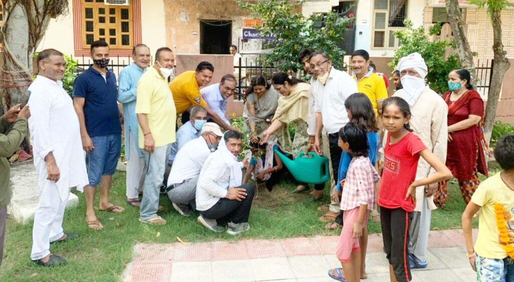 पूर्व मंत्री कविता जैन ने अधूरी गली निर्माण को पूरा करने के दिए निर्देश