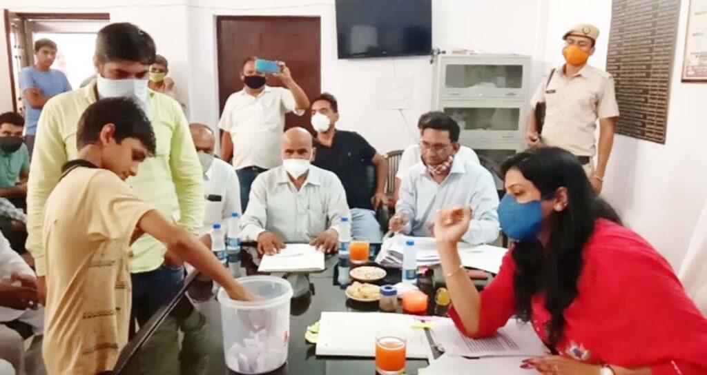 पंचायत समिति खरखौदा के 28 में से 14 वार्ड महिलाओं के लिए किये गये आरक्षित