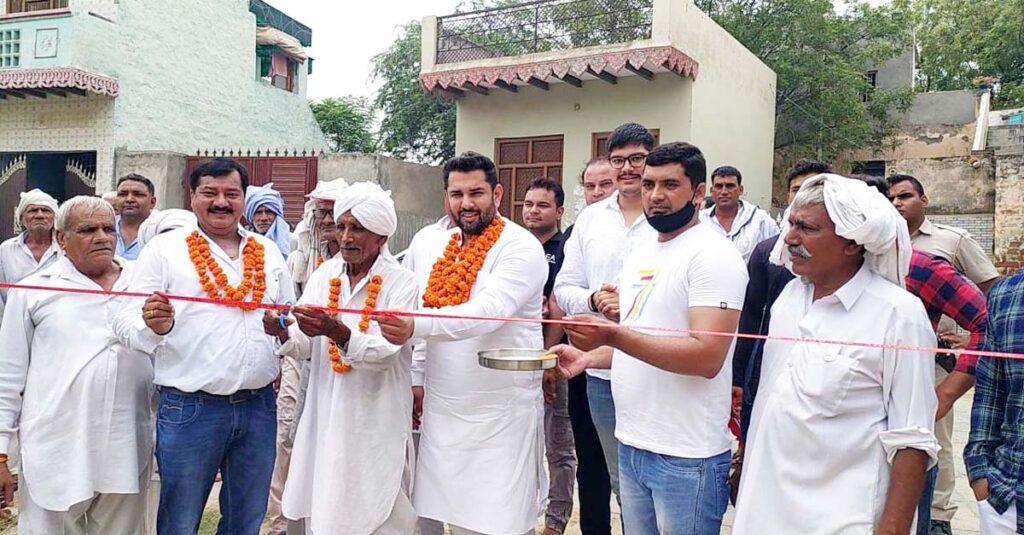 राठधना गांव में गलियों की मरम्मत कार्य का शुभारंभ