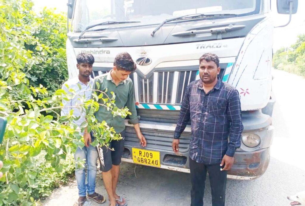 उत्तर प्रदेश के जनपद मेरठ की परतापुर कोतवाली में जमकर फल फूल रहा है तेल चोरों का कारोबार