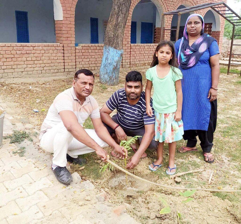 गांव ढाणी कुम्हारान में प्रकृति पुर्न उत्थान के लिए किया पौधारोपण