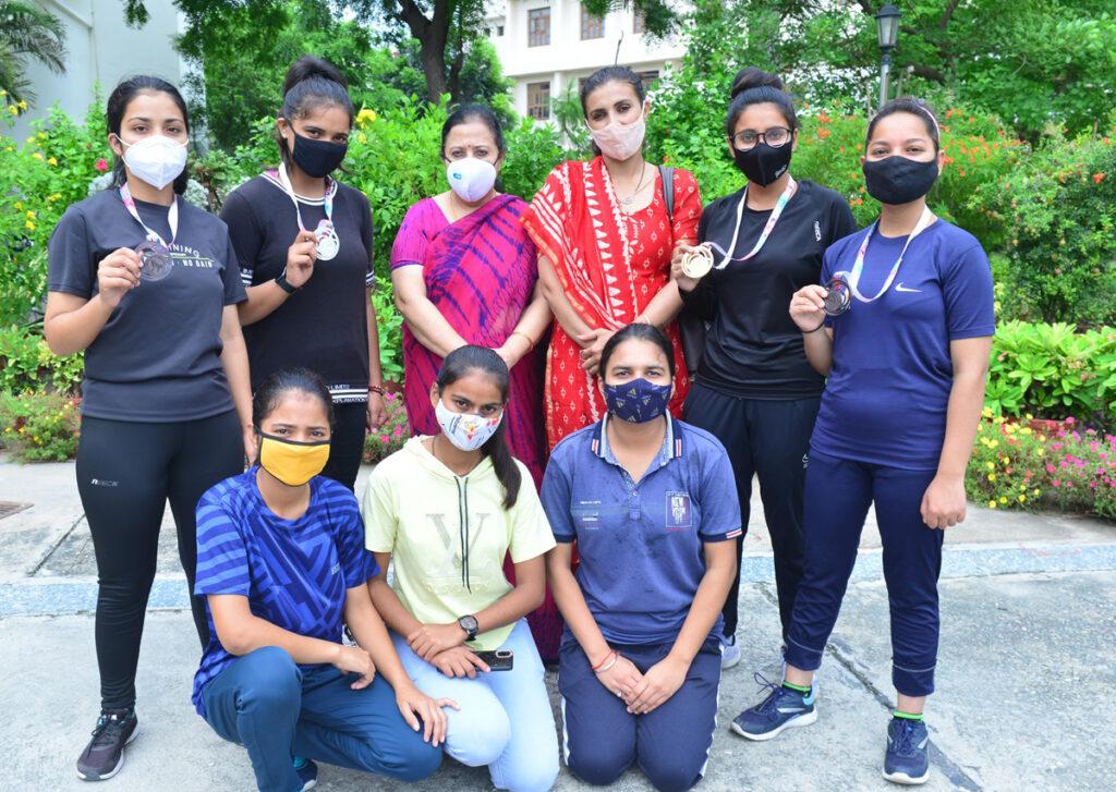 जीवीएम की छात्राओं ने ओपन सीनियर तायक्वांडो प्रतियोगिता में मचाई धूम